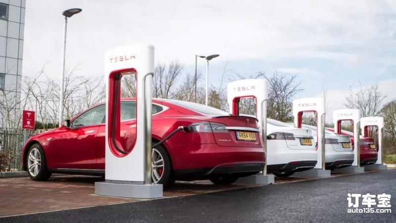 """充电排队时间太长,特斯拉决定用""""限量""""充电解决问题"""